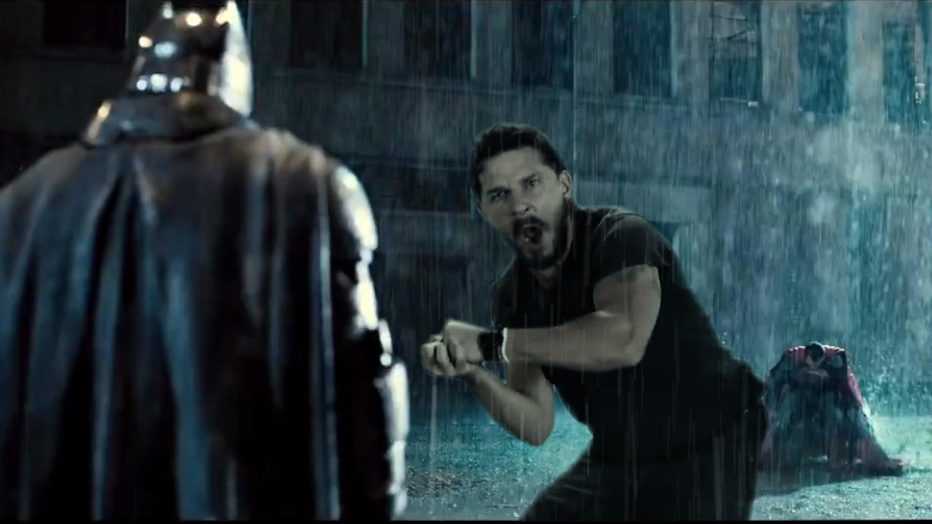 Shia Lebeouf motiviert Batman zum Kampf gegen Superman